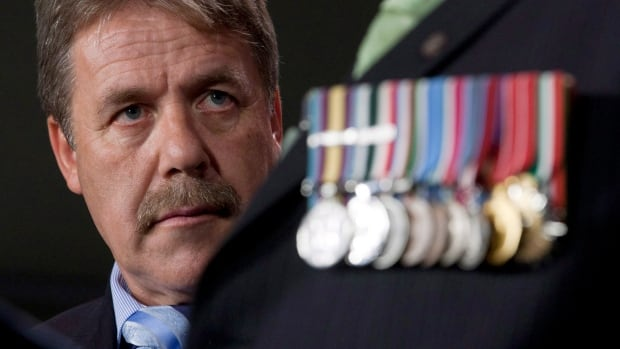 NDP MP Peter Stoffer, pictured here in 2012, is urging the government to provide more assistance to military spouses.