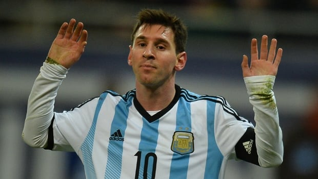 Lionel Messi was doubled over and appeared to be sick during Argentina's 0-0 tie against Romania on Wednesday.