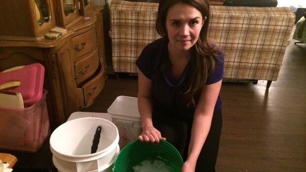 Amanda Smytaniuk was collecting and melting snow to use for wash purposes when her home was without water service due to a frozen pipe in March.