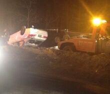 Car crash sends car into creek (March 9, 2014)