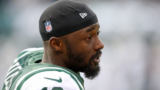 Santonio Holmes was set to make $8.25 million US as his base salary playing for the Jets this season.