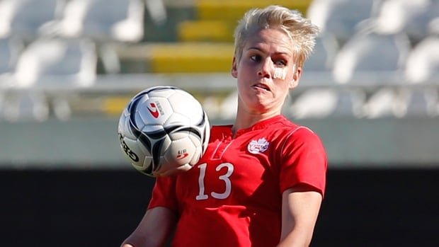 Canada's Sophie Schmidt scored the winning goal in her team's 2-1 victory over Ireland at the Cyprus Cup on Wednesday.