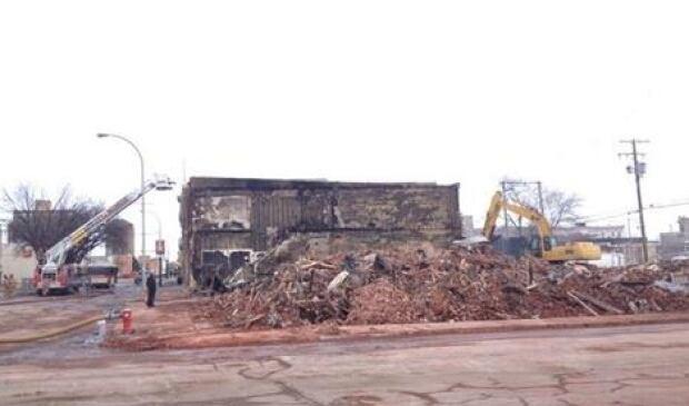 skpic rubble moose jaw fire 2014