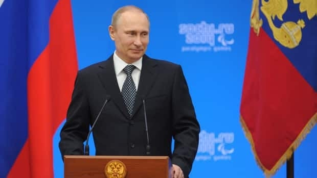 Russia shrugs off sanctions