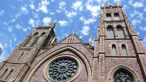 In a discussion paper, the United Church of Canada has floated the idea of 'an association of ministers.'