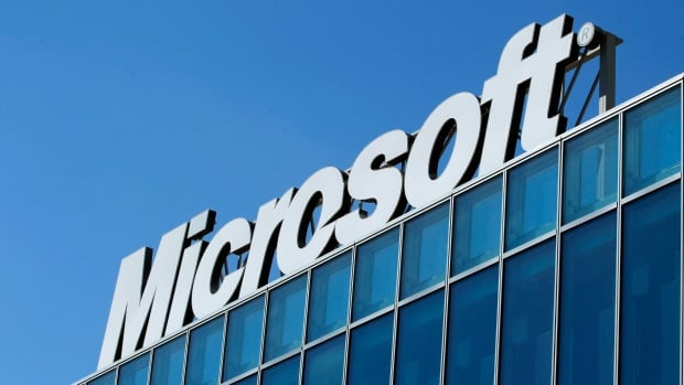 Microsoft will launch two new Canadian data centres in Toronto and Quebec City to boost its cloud computing presence.