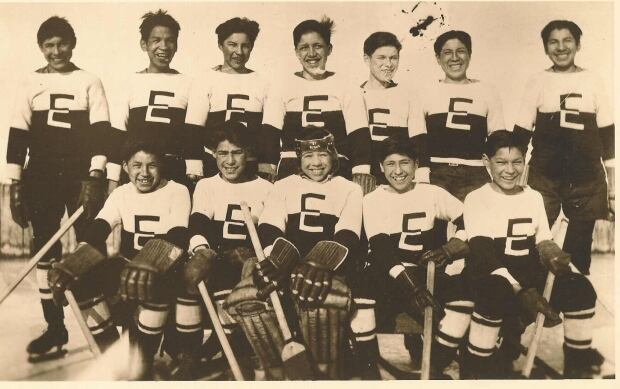 Ermineskin Indian Residential School hockey team