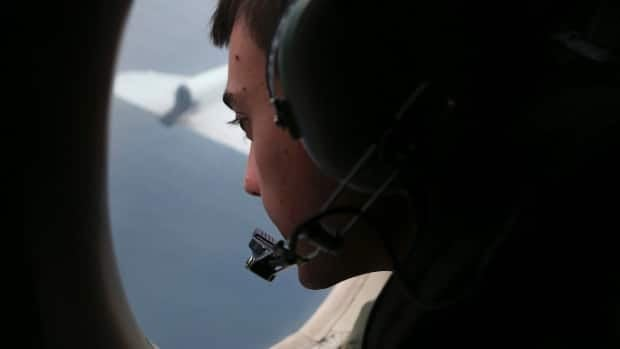 Flight MH370: Satellite spots 122 possible objects
