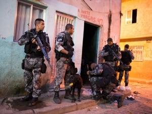 Rio slum stormed drugs