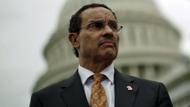 Washington, D.C., mayor Vincent Gray has approved legislation that would eliminate criminal penalties for the possession of one ounce (28 grams) or less of marijuana.