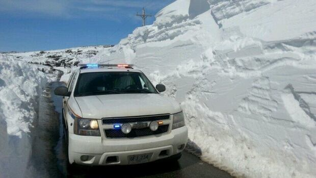 Drifting on the highway connecting Port aux Basques and Rose Blanche temporarily blocked the highway, with only one lane later available in many areas.