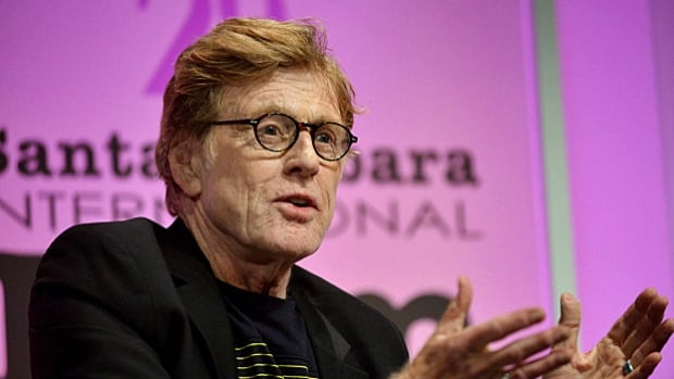Robert Redford says he is ready to push again for a presidential pardon for jailed former AIM leader Leonard Peltier.