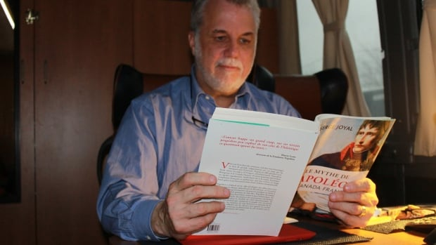 Liberal Leader Philippe Couillard refuses to peruse the morning newspapers on the campaign trail, but he does make time to read for pleasure. His current choice: Le mythe de Napoléon au Canada français by Serge Joyal.