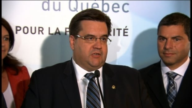 Montreal Mayor Denis Coderre said he'll push the incoming Liberal government to adopt a special status for Montreal in its relations with the province.