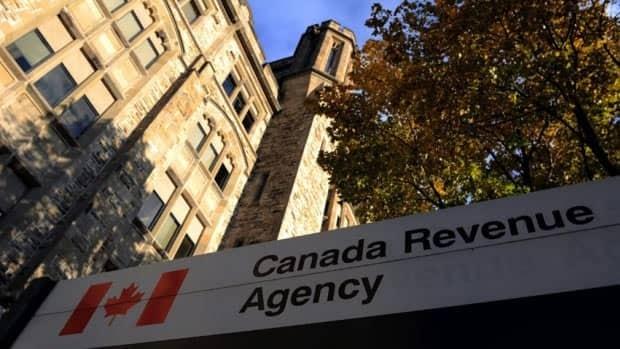900 SINs stolen from Revenue Canada