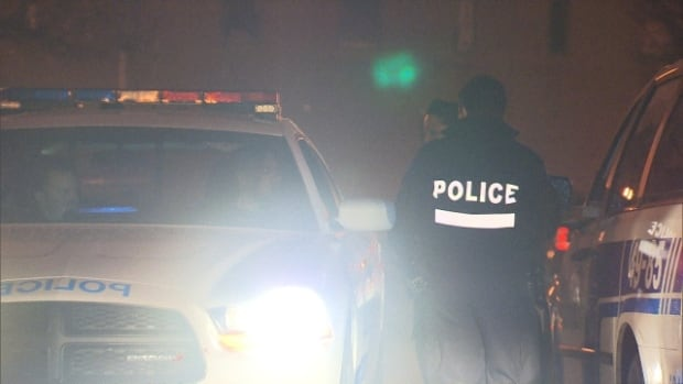 Police in Ahuntsic are searching for one man and have another in custody after a series of break-ins in the area overnight on Tuesday.