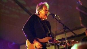 Bill Henderson wants VSB to protect music programs