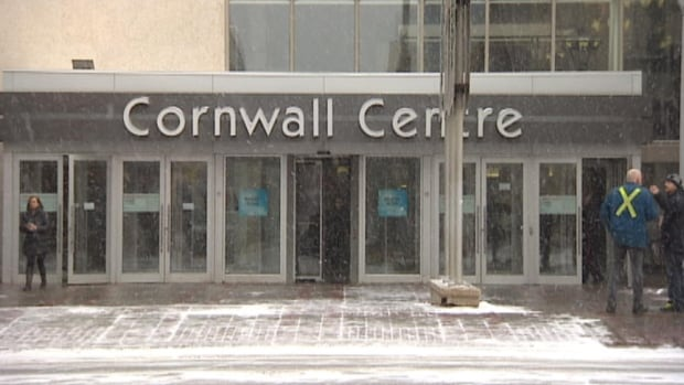 The Cornwall Centre, a downtown Regina shopping mall, was the scene of a violent random knife attack early Tuesday night.