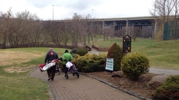 Golfers braved the cold to be among the first on Toronto's Don Valley golf course.