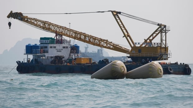 A second transcript of the final transmissions between the Sewol and authorities suggests that chaos on board prevented an evacuation order from being heard, and that passengers were unable to move towards emergency exit points.