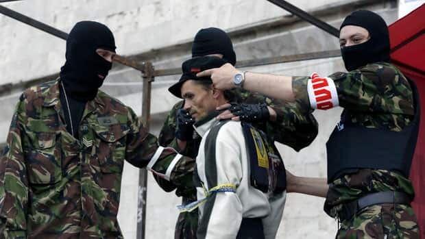 Gunmen open fire at checkpoint in eastern Ukraine
