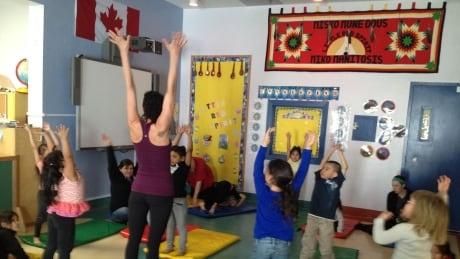 winnipeg kids exchange language lessons for yoga newswinnipeg netnewswinnipeg net. Black Bedroom Furniture Sets. Home Design Ideas