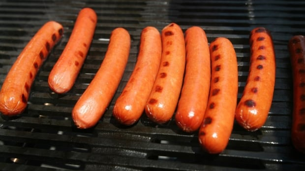 "Packages of Kraft's ""Oscar Mayer Classic Wieners"" may instead contain the company's ""Classic Cheese Dogs,"" and pose a risk to people allergic to milk."