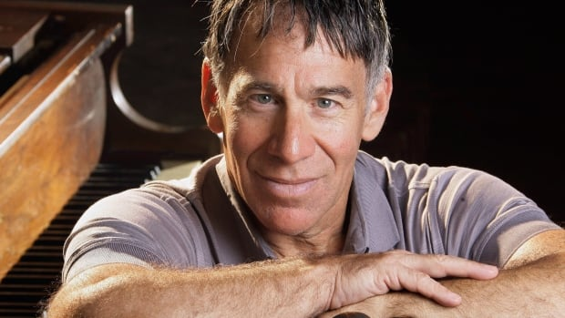 Acclaimed Broadway composer Stephen Schwartz, perhaps best known for Wicked, is among the artists asking musical theatre fans to stop illegally downloading sheet music from their shows.