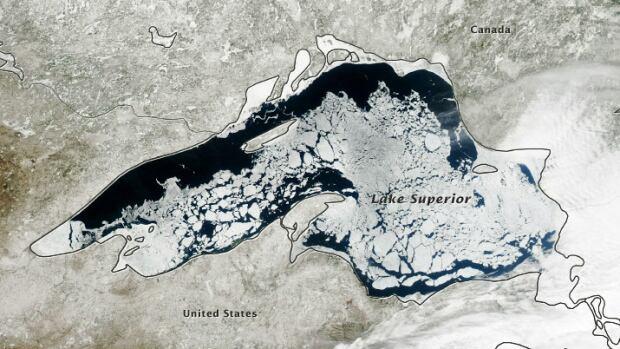 lake superior satellite image april 24, 2014