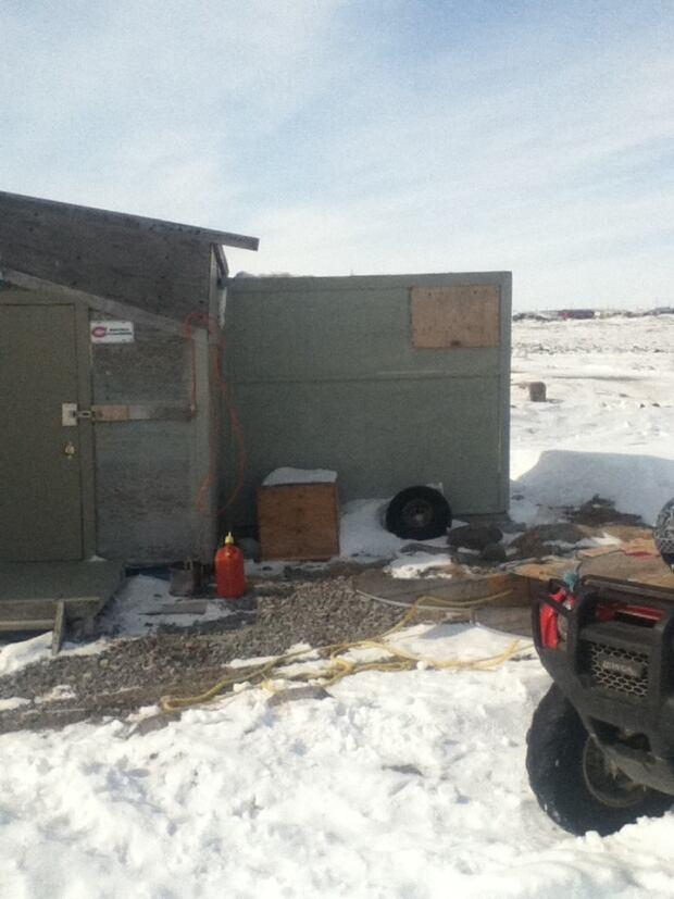 Mike Czar's cabin