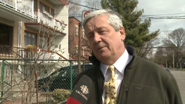 Jeremy Searle was asked to leave a Côte-des-Neiges–Notre-Dame-de-Grâce council meeting on Monday evening