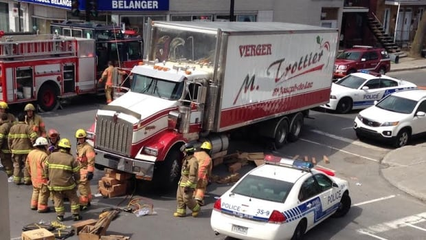 The collision happened Tuesday morning near the corner of Bélanger Street and Châteaubriand Avenue.