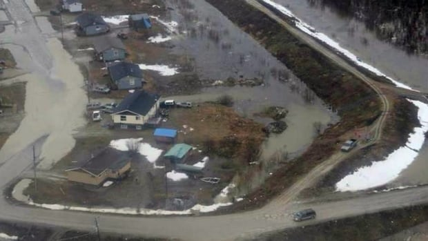 About 600 Kashechewan residents are now staying in Thunder Bay as the Albany River swells around their community, flooding their homes.
