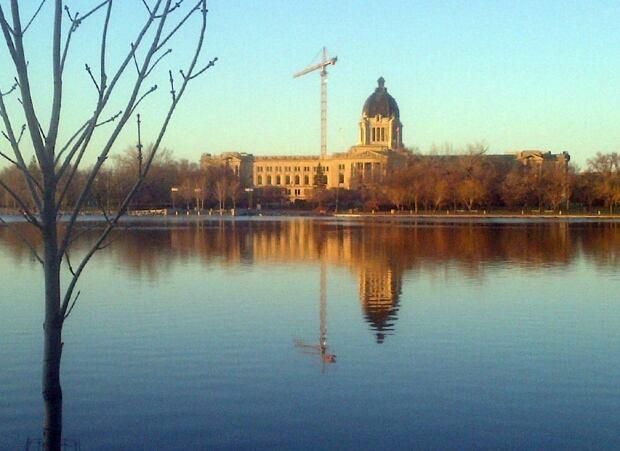 Saskatchewan Legislative Building roof gets overhaul