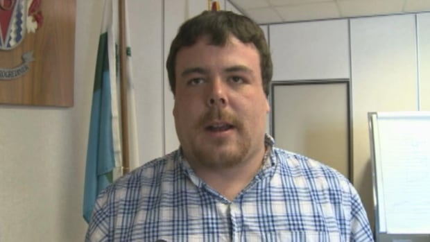 Wabush Mayor Colin Vardy says the towns must work together to get the best recreation services possible for the area.