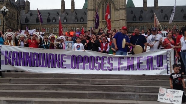 A Parliament Hill protest today drew more than 1,000 of people opposed to reforms proposed for the First Nations Education Act.