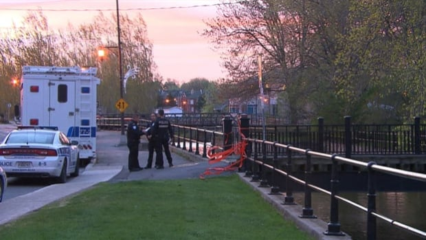 Police are awaiting the results of an autopsy to determine how a man found along the Lachine Canal died. His body showed signs of violence.