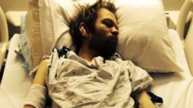 This image of Deryck Whibley was recently posted to his website, as part of a post describing the toll that alcohol had taken on his health.