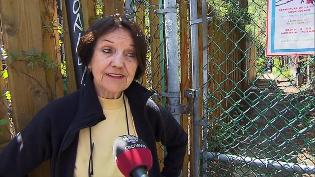 Anne-Marie Boucher is petitioning the Plateau-Mont-Royal council to intervene and lock one of the alleyway's gates at night.