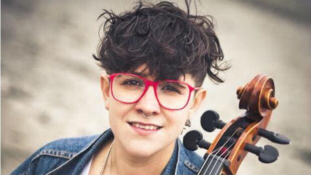 Cris Derksen, cellist
