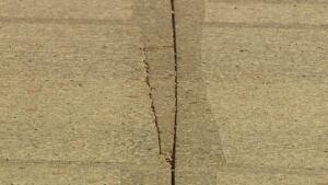 cracks highway 7