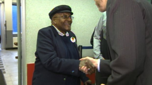 Anglican Archbishop Desmond Tutu arrived at the Fort McMurray airport on Thursday afternoon.