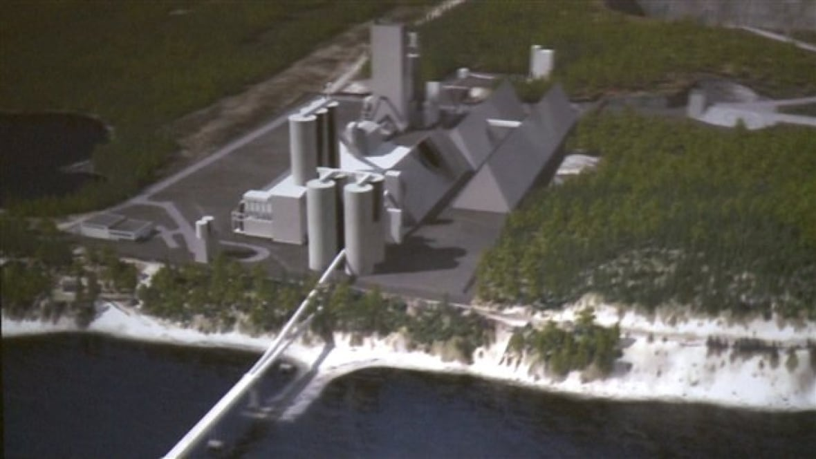 Montreal Cement Plants : Port daniel cement works to get government funding