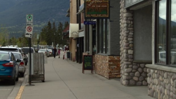 The moratorium on temporary foreign workers has resulted in hundreds of vacant jobs in the tourist town of Jasper.