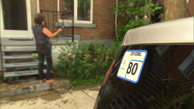 The price for a residential parking permit in Rosemont—La-Petite-Patrie will go up next month if residents' vehicles run on gas.