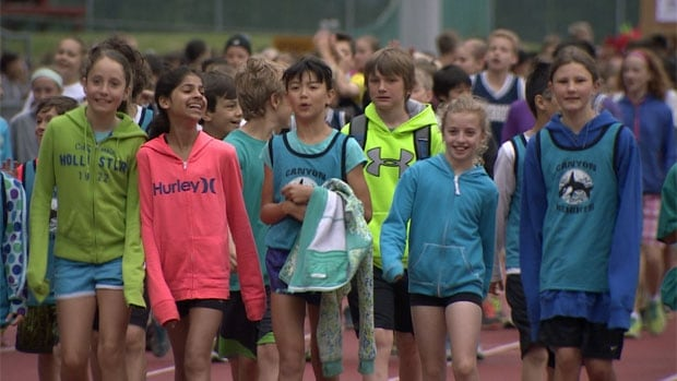 bc-140603-kids-track-teachers