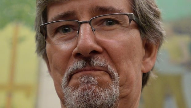 There could be a way to meet at least some law-enforcement demands for warrantless access to information while respecting a key Supreme Court of Canada ruling, privacy commissioner Daniel Therrien said in an interview.