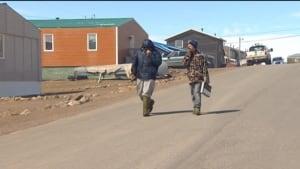 People smelling Iqaluit dump fire smoke