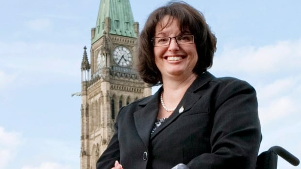 Former New Democrat MP Manon Perreault, who has been sitting as an independent, told police some items had been stolen from her office when she knew that a former employee had them and had offered to return them.