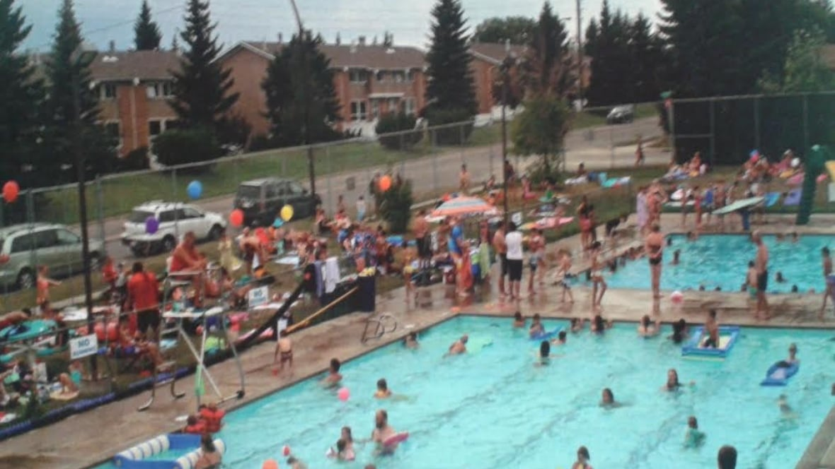 Residents Rally To Save Silver Springs Outdoor Dive Pool Calgary Cbc News